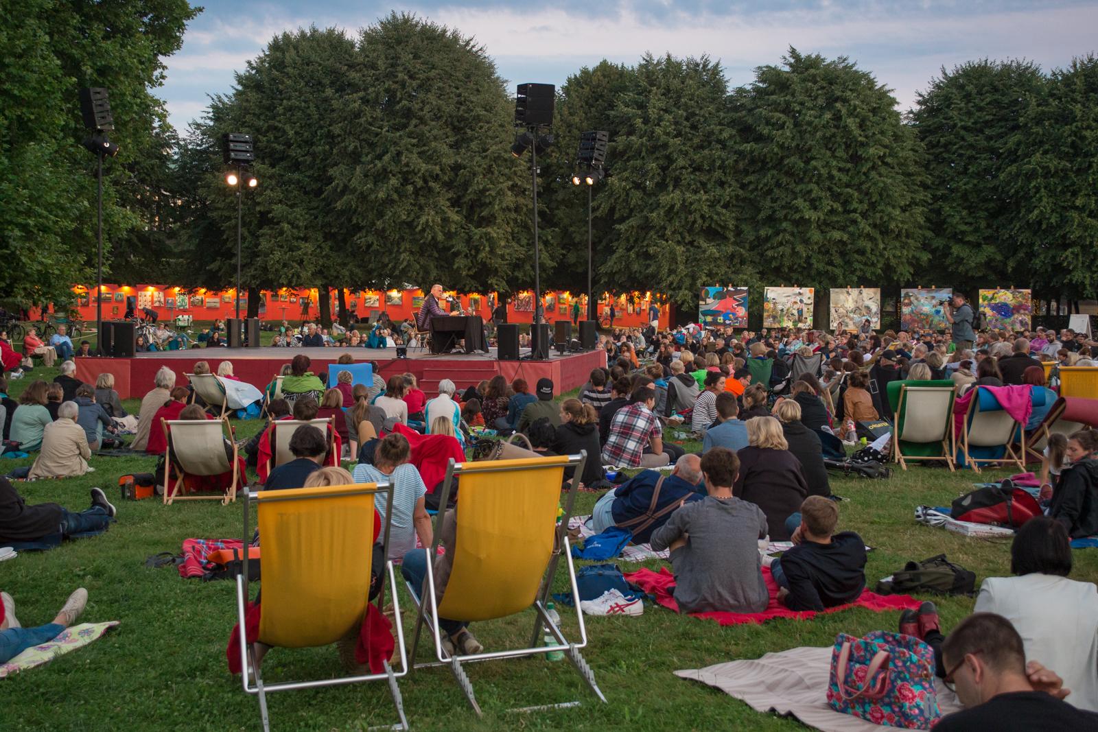 """18.08.2019 beim Palais Sommer in Dresden: Lesung aus """"Ein Spaziergang in Japan"""""""