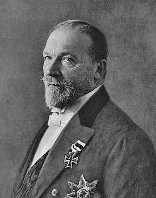 390px-Philipp_Fürst_zu_Eulenburg_und_Hertefeld,_1906 bearb[11177]